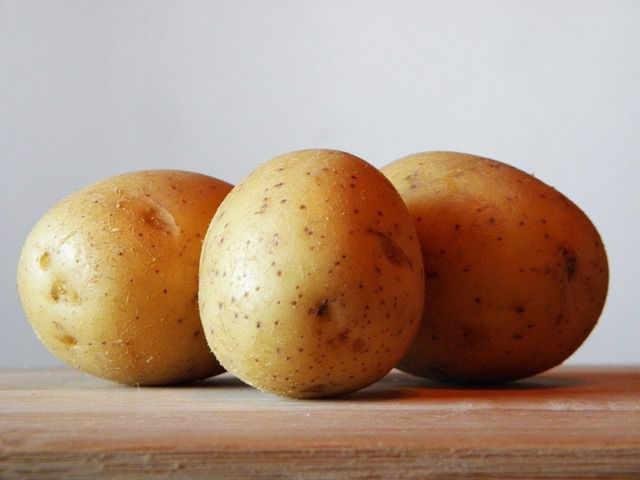 potatoes for acne scars