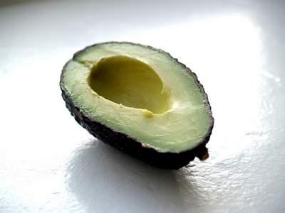 avocado face mask for dry skin