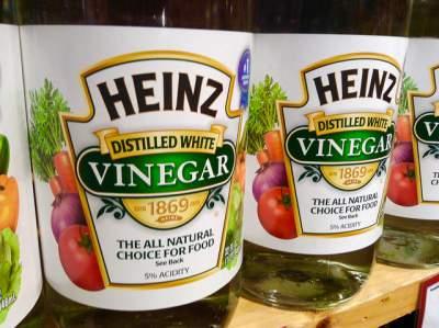 vinegar foot soak to remove dead skin